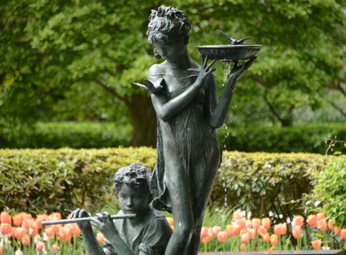 Burnett Fountain, sculpted by Bessie Potter Vonnoh