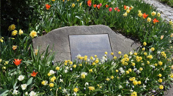 Shakespeare Garden Plaque