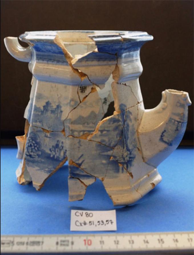 Teapot found near Elizabeth Harding's house