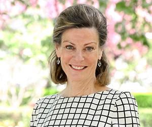 Elizabeth W. Smith +