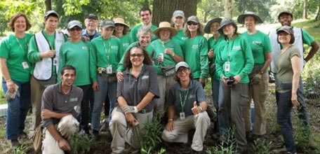 Volunteer Management: Running a Successful Horticulture Volunteer Program (3/3/16)