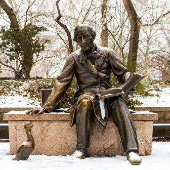Lewis Carroll statue in winter